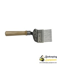 Uncapping fork with wooden handle