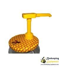 Twist lid honey pump